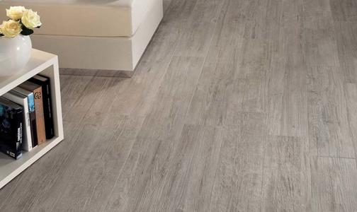 膠合板大批量出貨 實木復合地板價格上揚