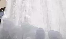 震惊!寒潮来袭小区管道竟然.......