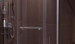 淋浴房移门滑轮如何维修保养