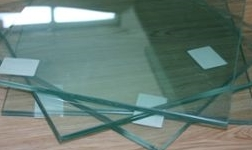 建筑设计规范中安全玻璃是怎样规定的?