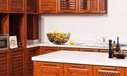 木质橱柜和定制全铝橱柜如何选择?你知道吗?