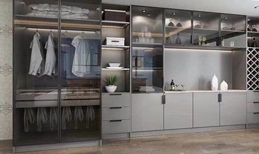 如何挑选定制衣柜的板材?小编告诉您妙招