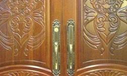 家有房屋要装修,实木门、模压门与高密度蜂窝纸门大PK!