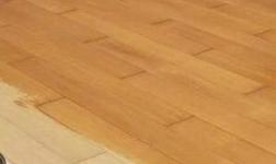 木地板打蜡操作流程是什么 哪些地板不用打蜡?