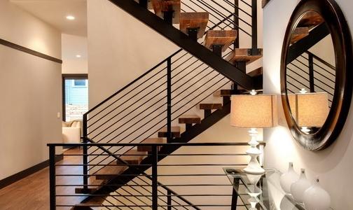 楼梯材质和辅料的选购需要注意什么?