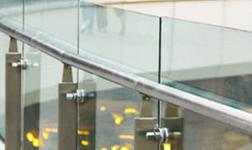 安装玻璃栏杆的优点有哪些?