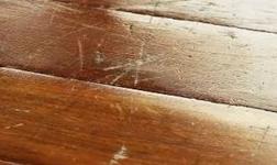 地板劃痕怎么補?傲美地板教你修復小妙招~