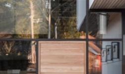 專業門窗系統當屬英國Lan-system(藍斯)門窗系統,英倫血統彰顯完美品質
