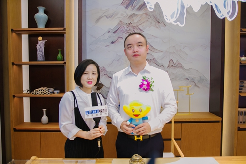 建材网采访三峰家居总经理刘飞