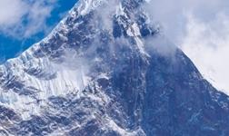 生命的高度是攀登者8848,生活的宽度是玫瑰岛8848