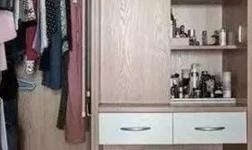 卧室如果有个卫生间,不如这样改成衣帽间,好看还实用