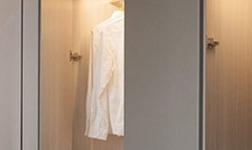 定制衣柜要注意什么 水泥灰顏色衣柜效果圖展示