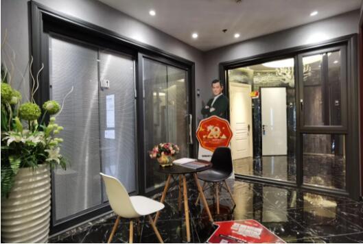 实拍案例 | 大景观门窗,层次感与轻奢美感的高级家居享受!
