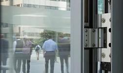 論性能好壞,從瓦瑟系統門窗內外的五金配件談起