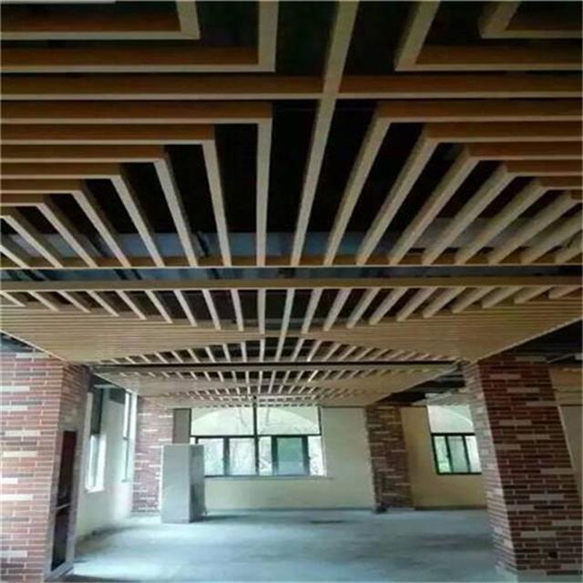 氟碳外墙型材木纹铝方通装饰-隔断氟碳室外装饰