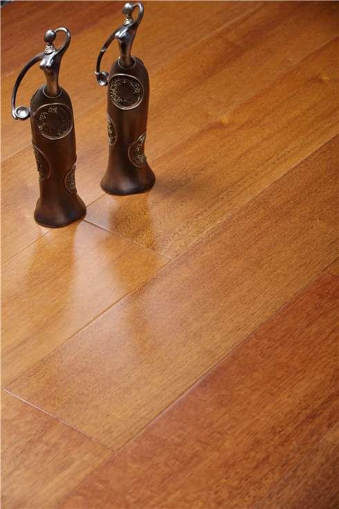 经典家用菠萝格多三层实木地板
