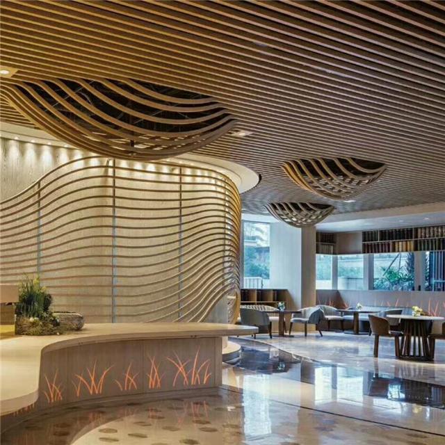 自助餐饮场所装饰弧形铝方通吊顶