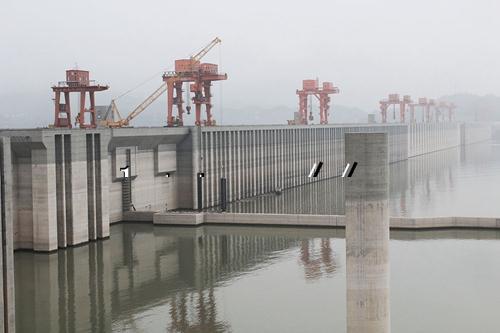 水库大坝渗漏水堵漏公司