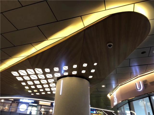楼梯两侧墙体包边铝单板 扶梯镂空艺术铝单板墙身板合作供应商