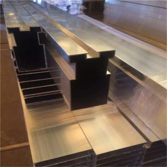 恩施型材铝方通隔断 木纹色铝方通 氟碳漆铝方通供应商