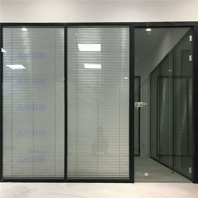欧式黑白线条外门墙体