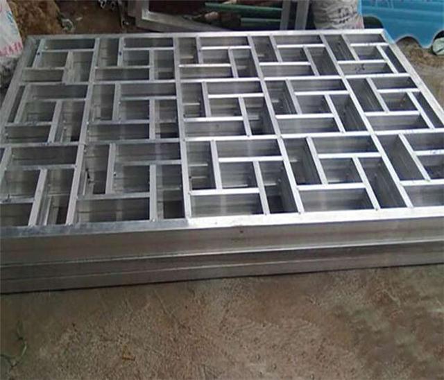 河北省秦皇岛街道改造铝窗花|仿古木纹铝窗花合作厂家