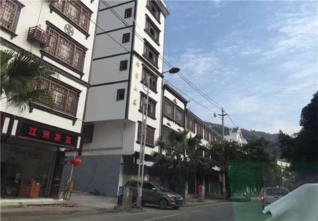 六安 街道改造仿木纹铝窗花|仿古铝窗花