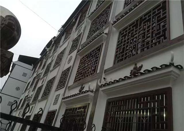 环保仿木纹铝窗花-仿古铝花格-铝花格窗直销厂家