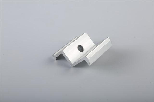 设计厂家,专业致力于金属屋面系统配件,光伏配件,铝镁锰板,铝合金各类图片