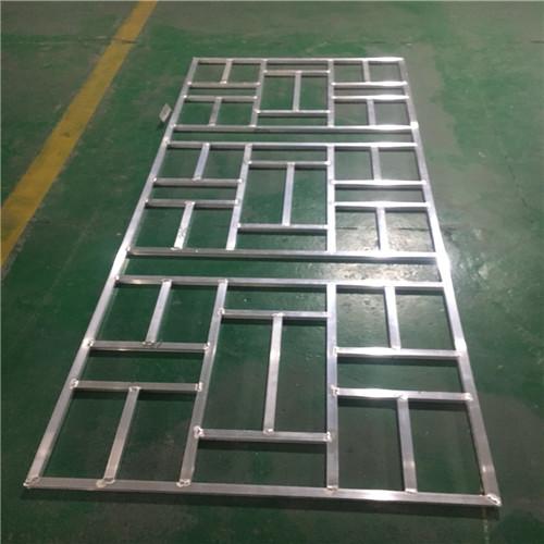 浙江温州木纹型材铝方管焊接铝窗花-幕墙装饰铝板隔断铝屏风