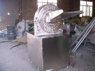 临沂不锈钢调味品粉碎机要多细磨多细