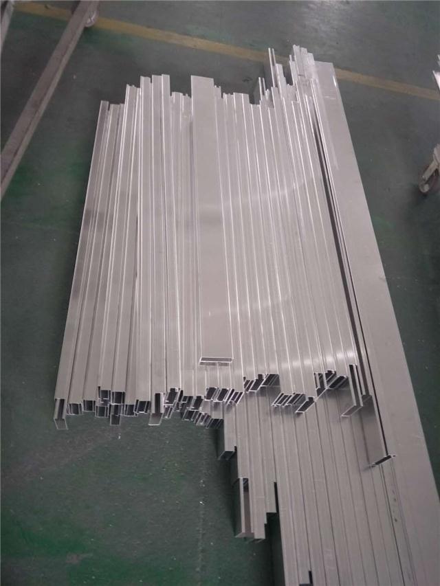珠海橫琴口岸免稅店造型鋁單板-德普龍單板專業供應廠家