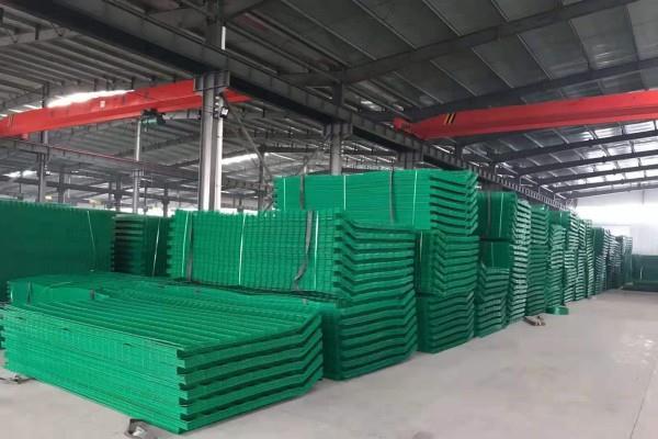 供应铁丝网围栏养殖网养鸡网防护网钢丝网隔离铁网48小时内发货