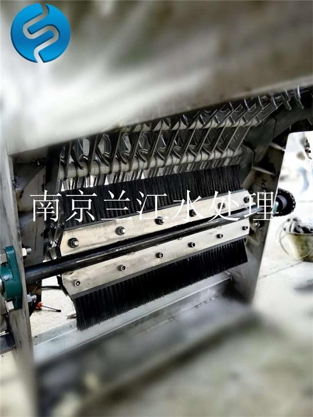 全自动机械格栅带清洁毛刷