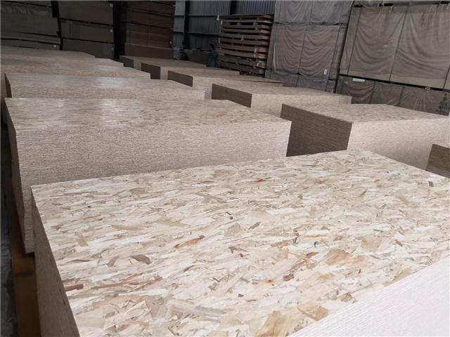 山东松之海木业有限公司专业生产OSB欧松板(定向结构刨花板)