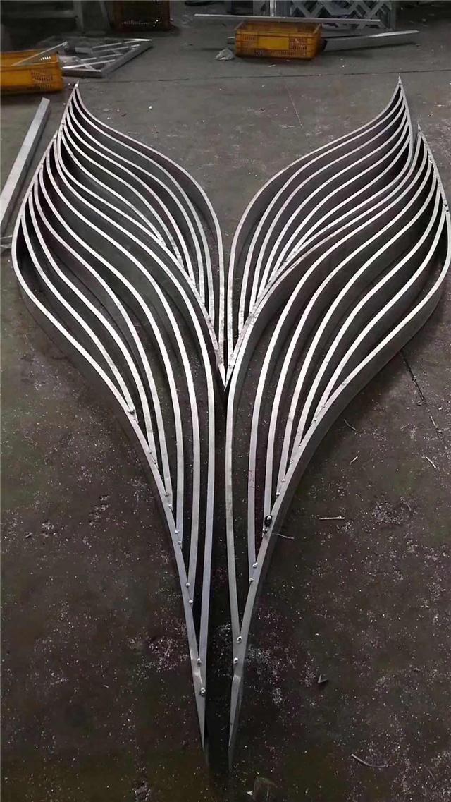 商場弧型鋁方通-造型鋁方通吊頂