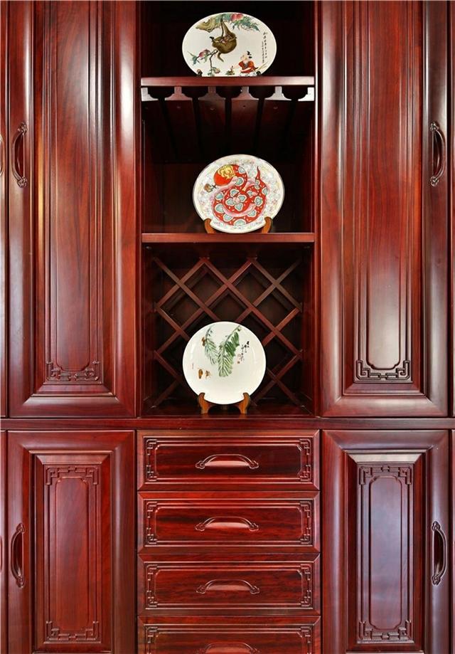 长沙桃花芯原木家具购买攻略、原木衣柜、餐边柜订制品质材料