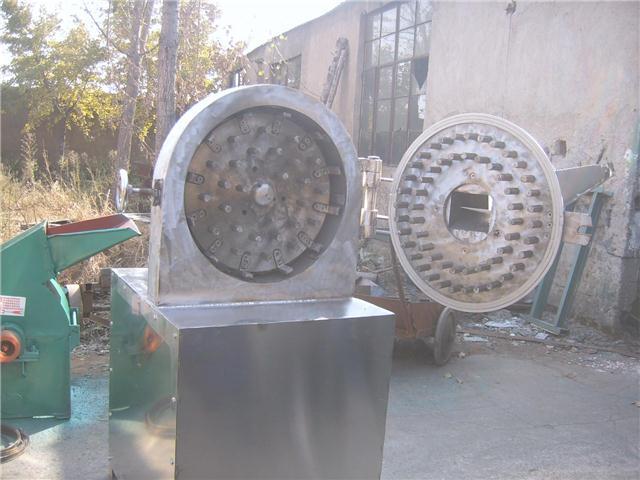 山东不锈钢中药材粉碎机卫生环保用得放心