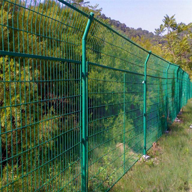 河道堤坡围栏网 @公路***高速公路护栏网 厂家 @山坡护栏网