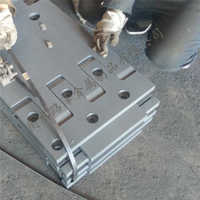 SF160型梳齿板伸缩缝
