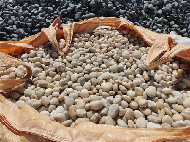 污水处理鹅卵石滤料哪家好/河南钢厂鹅卵石价格
