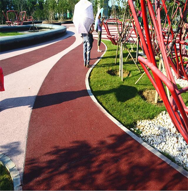 厂家供应彩色透水地坪和高承载露骨料透水混凝土地坪材料