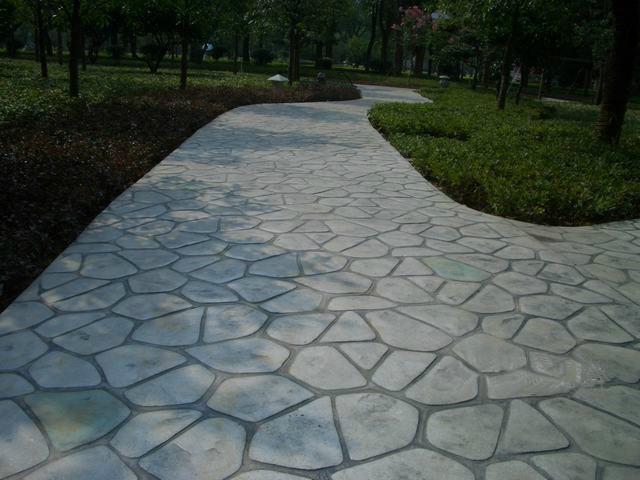 天津庭院别墅彩色艺术仿石路面,压花地坪厂家材料供应商