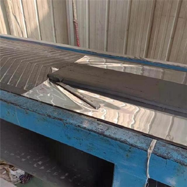 SR塑性填料面板坝嵌填方法