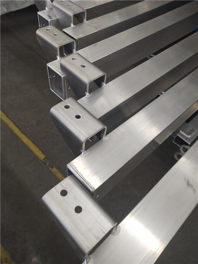 火焰切割机铝型材横梁 光纤切割机挤压铝横梁生产公司