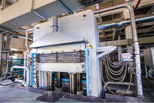 大王椰工厂设备大揭秘!真正好板材是怎么诞生的?