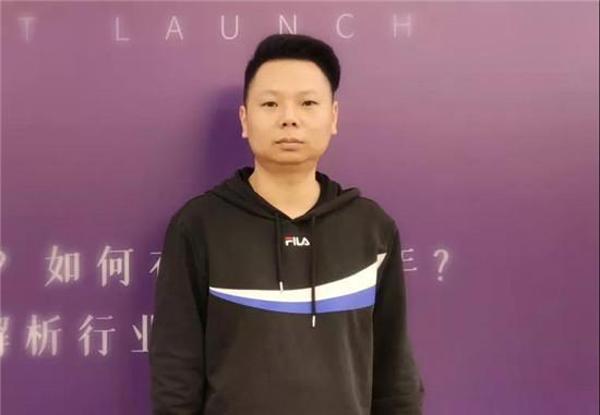 月销百万|看三峰家居庆阳经销商赵晓辉的高能团队!