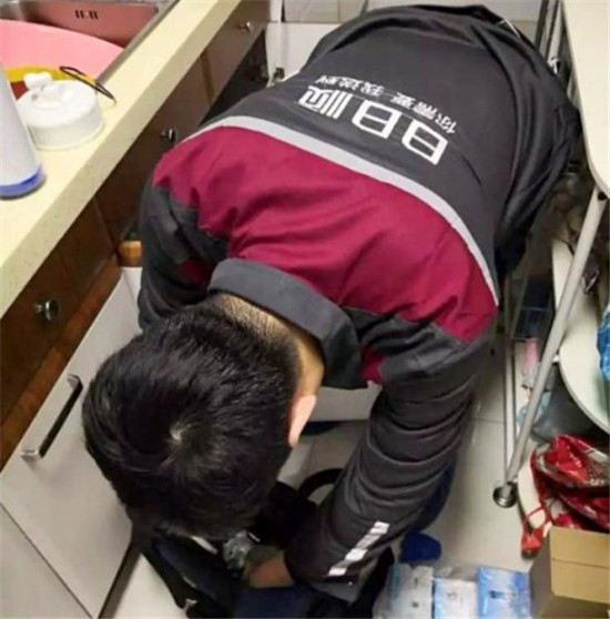 在家畅饮富锶矿泉水,卡萨帝矿泉水净水机云鲸开箱实测!