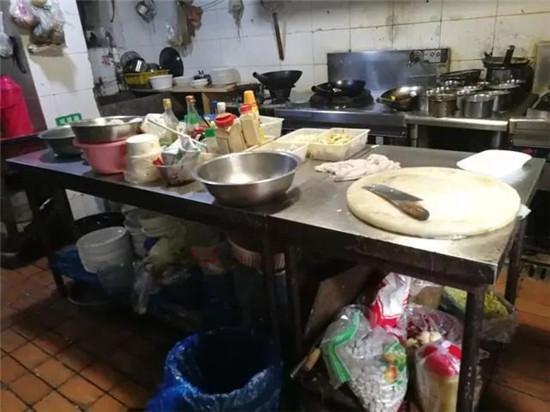 厨房99%的痛点,一台万事兴集成灶就能解决!