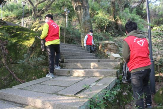 守护绿水青山,中建商砼志愿者在行动